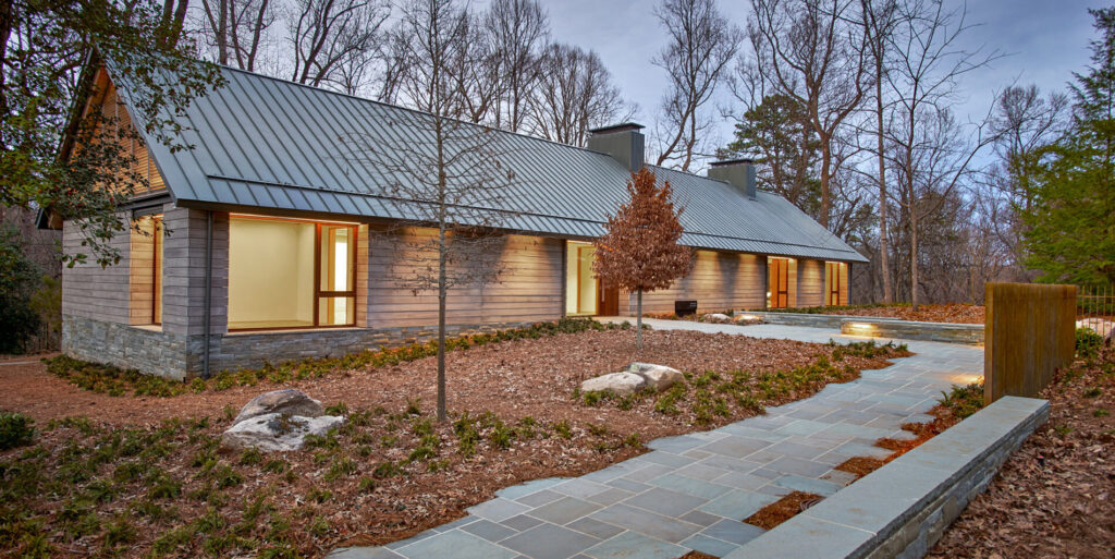 The Loghaven Gateway Building in Tennessee, USA, featuring Accoya siding (cladding) from Delta Millworks